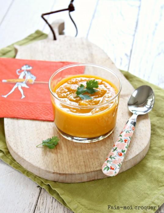 Soupe à la carotte, lentilles corail et lait de coco
