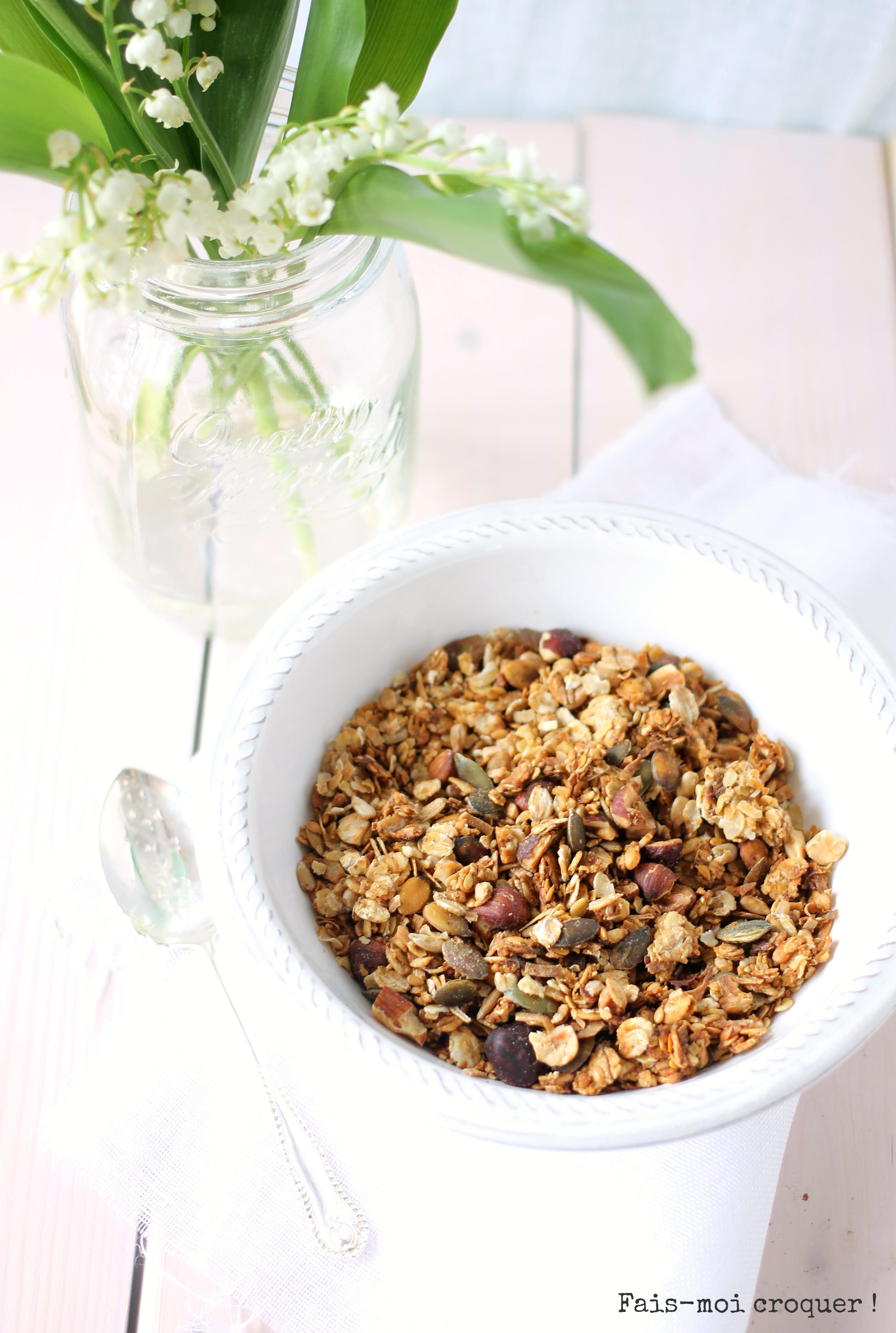 Granola healthy à la compote de pomme et à la noix de coco