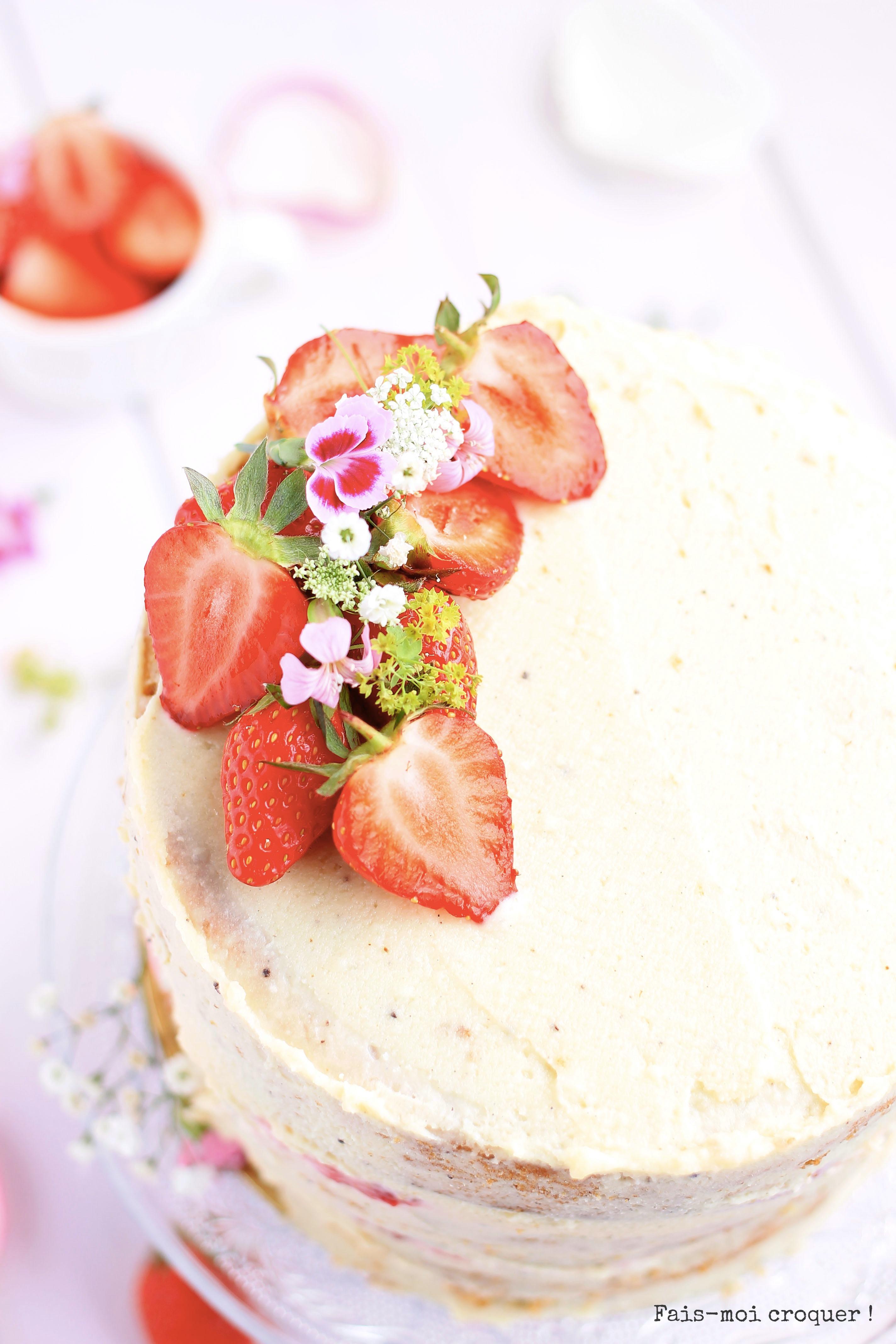 Naked cake aux fraises g teau d 39 anniversaire sans gluten et sans beurre fais moi croquer - Gateau d anniversaire sans gluten ...