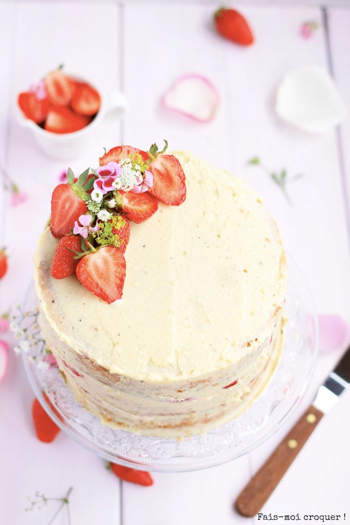 Naked cake anniversaire strawberry