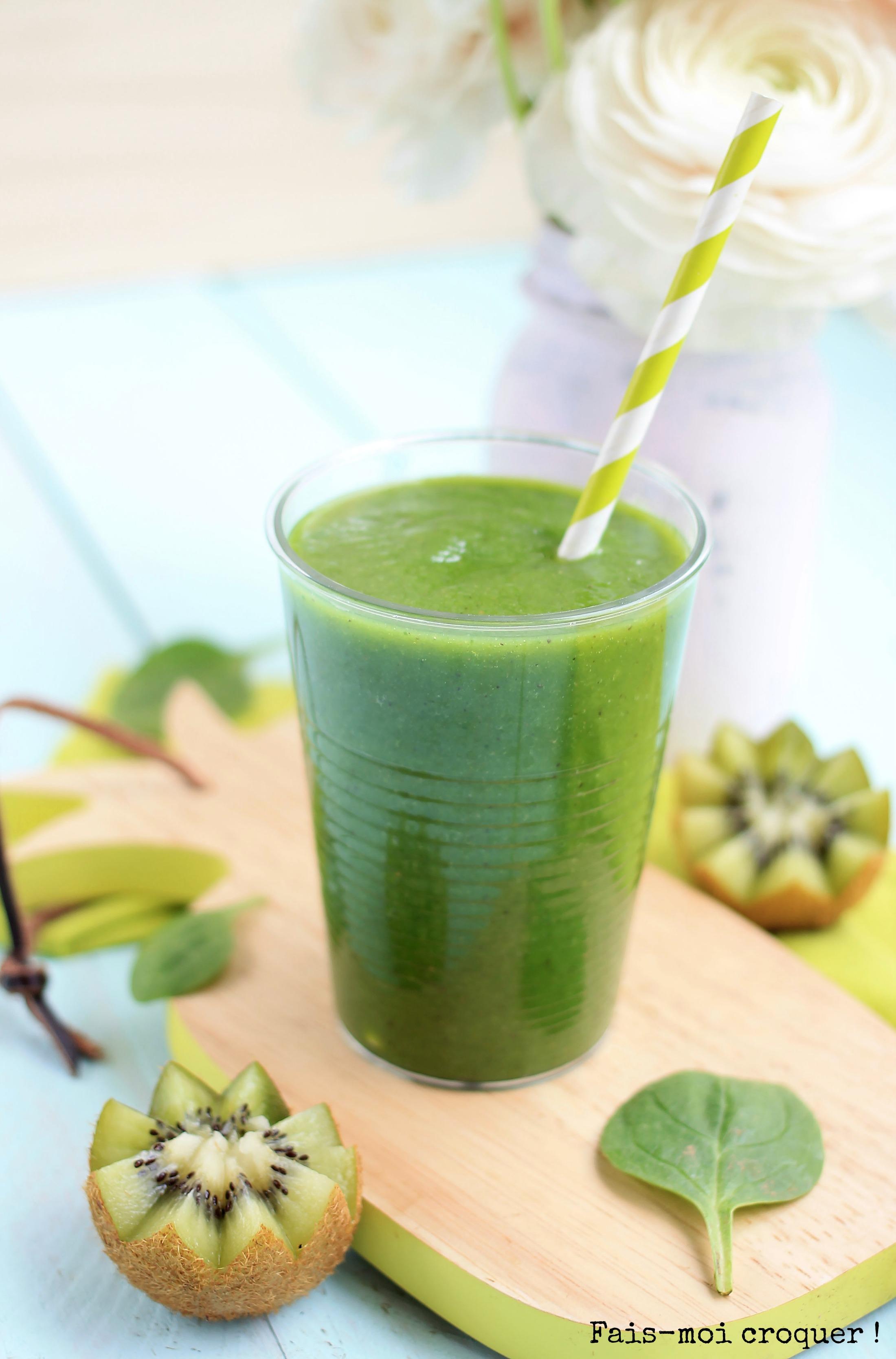 greensmoothie au  kiwi pomme ananas